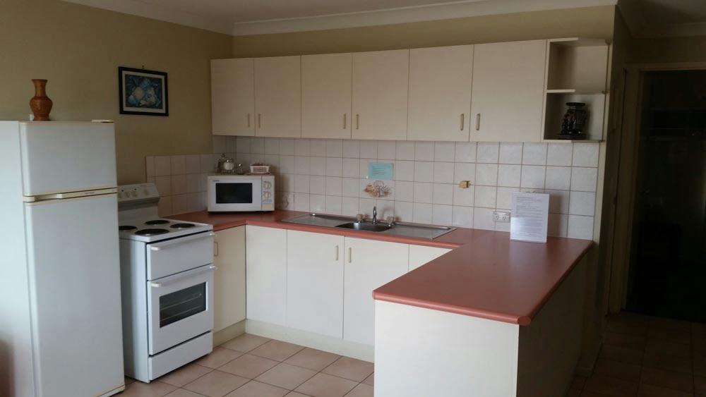 1 BR kitchen